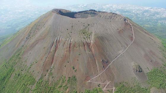 vulkan-vezuvij-3