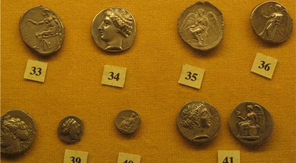Монеты из музея в Неаполе