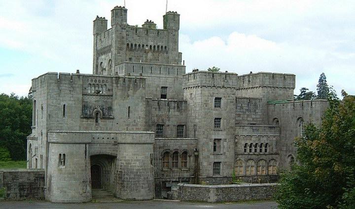 Замок Госфорд