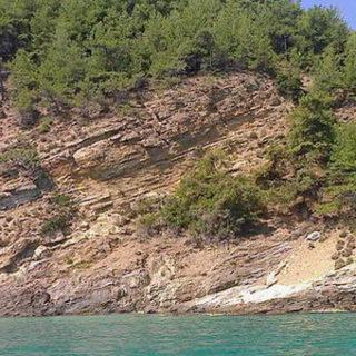 Тасосский каменистый пляж